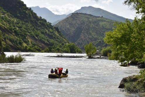 Çukurca'da foto turizmi