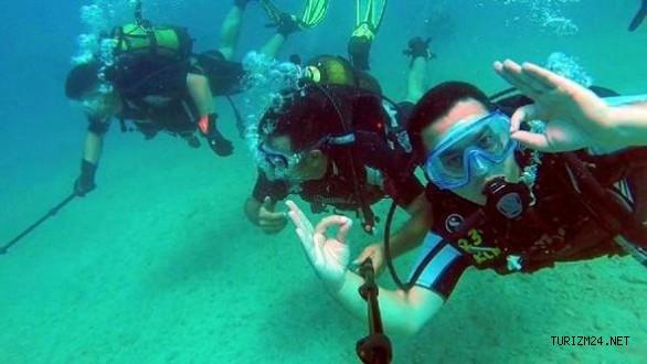 Finike'de turistlere dalış eğitimi verildi
